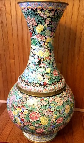 Big Chinese Enameled Vase