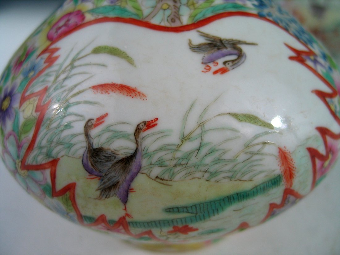 Pair of Chinese Famille Rose Porcelain Vases, Qianlong - 3