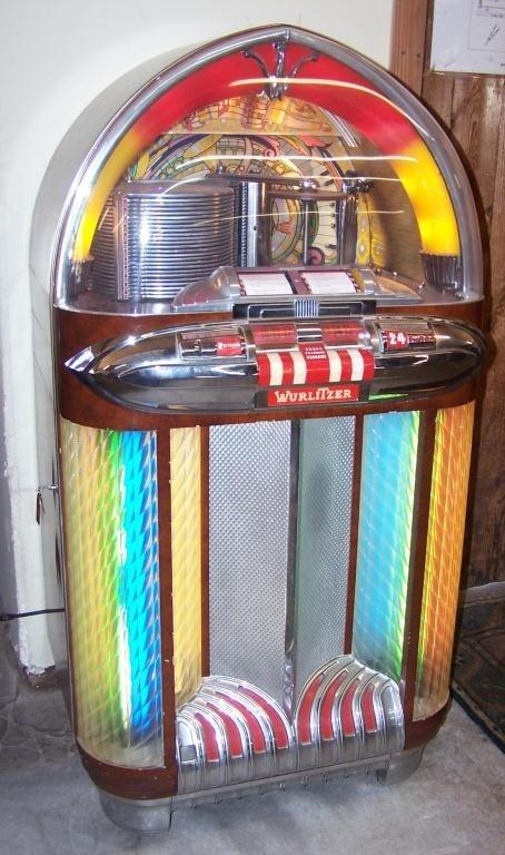 126: Wurlitzer 1100 Jukebox