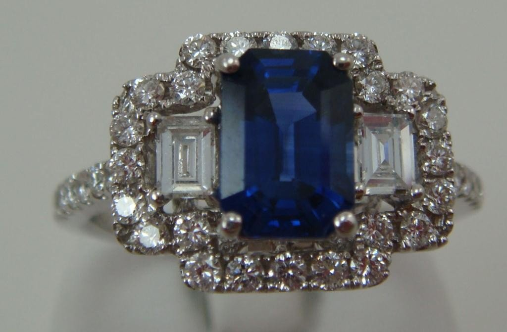 131: Blue Sapphire Ring with Diamond Accents