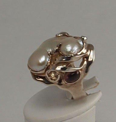 13: Unique Ring