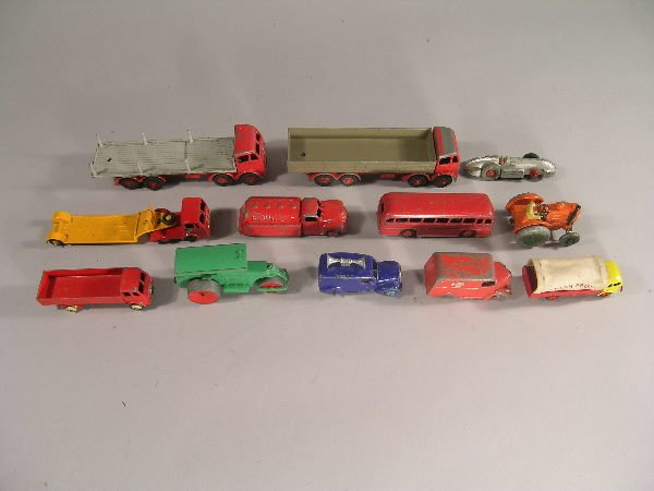 4B: A group of 1950s and 60s unboxed Dinky Toys to incl