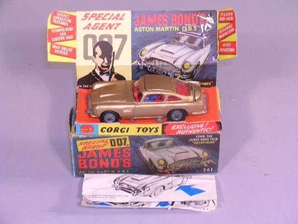 7B: A Corgi Toys first issue James Bond Aston Martin DB