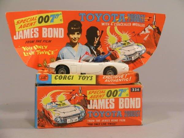 15B: A Corgi Toys No 336,  James Bond Toyota 2000 GT, i