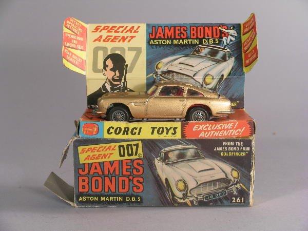 16B: A No 261 Corgi Toys James Bond Aston Martin DB5, i