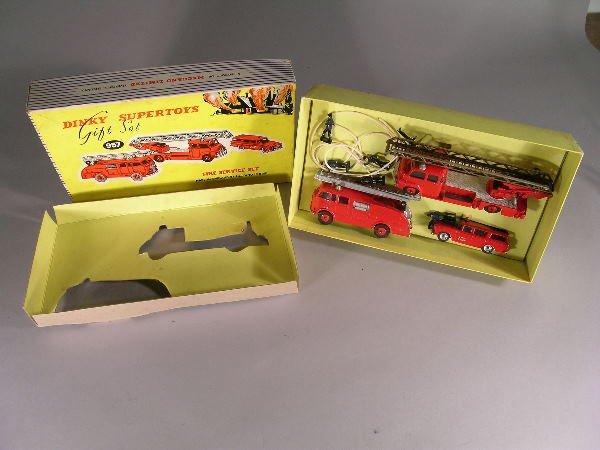 17B: A Dinky Supertoys gift set no 957 'Fire Service Se