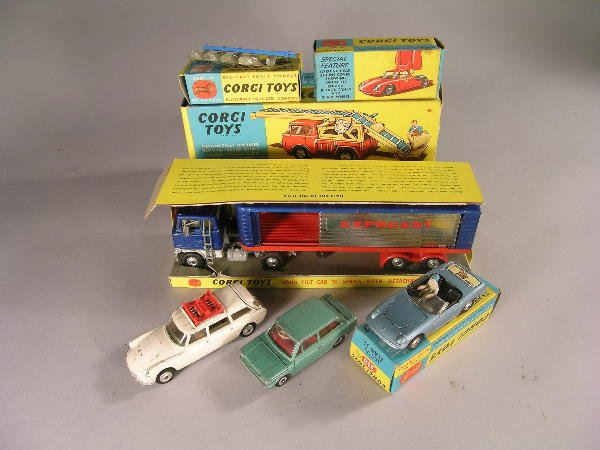 24B: A mixed group of mainly Corgi vehicles, some in bo