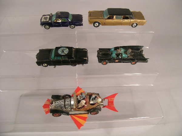 9B: A group of five Corgi toy TV related models to incl