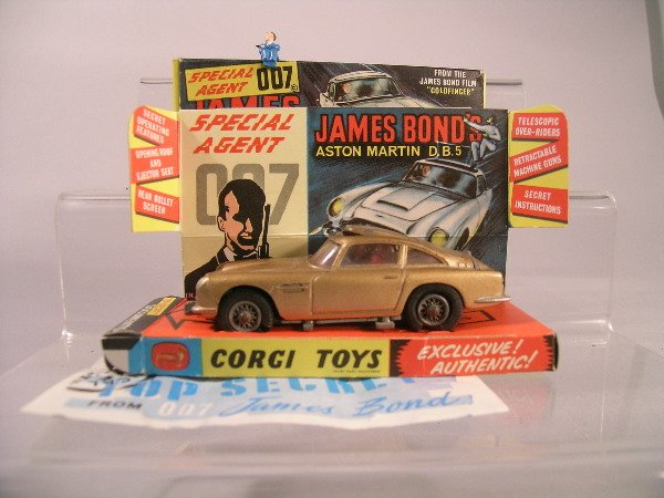13B: A James Bond Aston Martin DB5 in original box cont