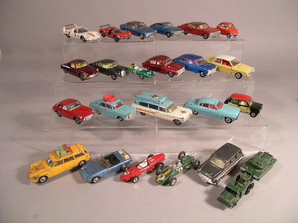 15B: A collection of twenty three unboxed diecast model