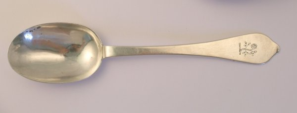 20B: A Queen Anne Dog Nose table spoon William Scarlett