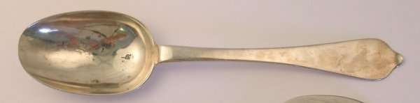 21B: A Queen Anne Dog Nose table spoon Benjamin Watts,