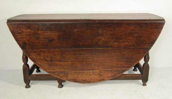 130D: A single action gateleg dining table, early 18th