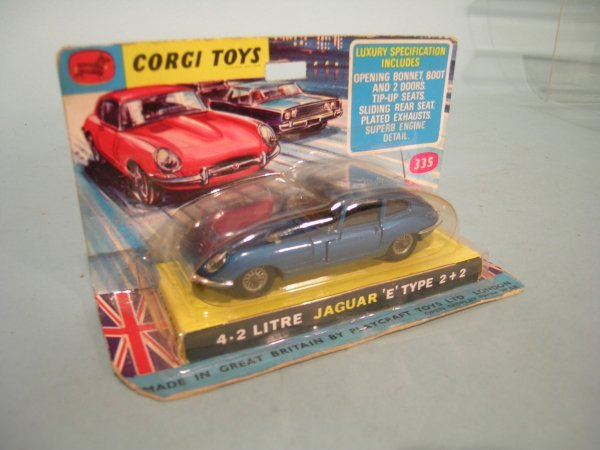 5E: A blister packed Corgi Toys Jaguar no. 335 4.2 E-ty