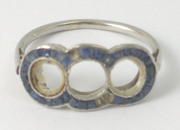3B: A white metal ring setting, the triple setting set