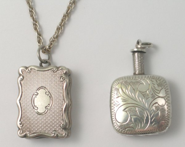 46B: A silver vinaigrette, Birmingham 1866, makers mark