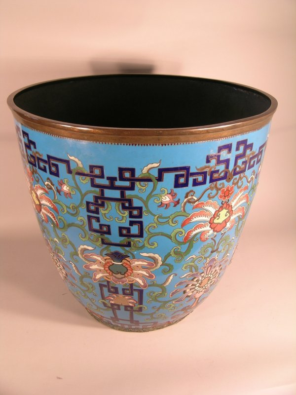 8C: A large pair of Chinese cloisonne jardinieres, Qing