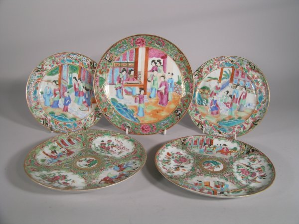 17C: A Chinese Canton saucer dish, mid 19th century, de