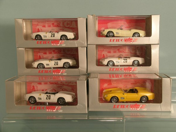 7C: Five Vitesse Le Mans Ferrari 250s, also two yellow