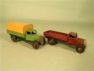 A Dinky Toys 25 series covered wagon with type 2 o