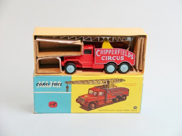 4C: A Corgi Major toys No. 1121 boxed Chipperfield Circ