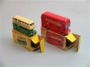 Two boxed Dinky toy buses, a no. 289 Routemaster b
