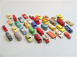 A group of Matchbox vehicles to include three boxe