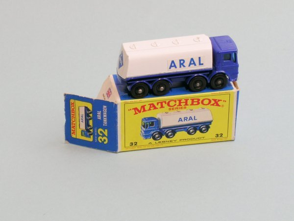 23C: A Matchbox series Aral AEC tanker (no. 32), this e