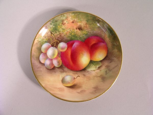 22B: A Royal Worcester dish by E Townsend, date code fo