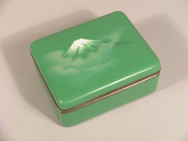 15C: Attributed to Ando, a rectangular green enamel box