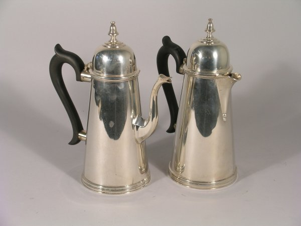 17B: A George I style coffee pot and hot water jug, Bir
