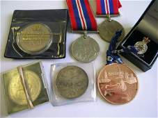 399C An assorted quantity of coins and medals to inclu
