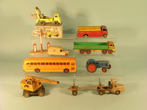 7D: A mixed group of unboxed Dinky Supertoys (suitable