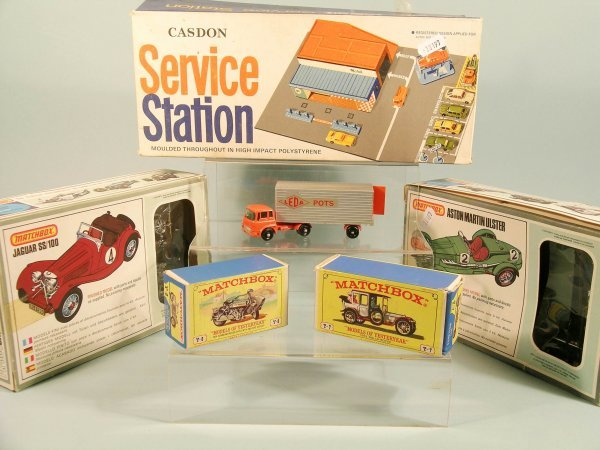 9D: A group of Matchbox related items to include a Y-8-