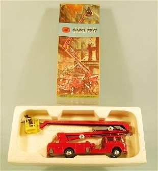 A Corgi Major Toy No.1127 Simon Snorkell fire engi