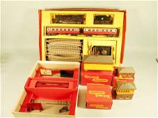 162D A boxed Triang R1X passenger train set to includ
