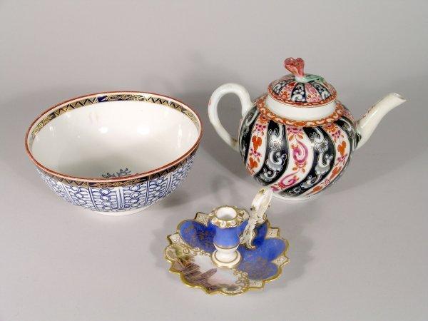 21B: A Worcester Queen Charlotte pattern globular teapo