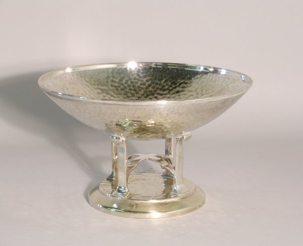 16C: An EPNS Arts and Crafts bowl, the bowl with lightl