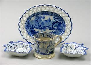 A pair of Staffordshire blue and white pearl ware
