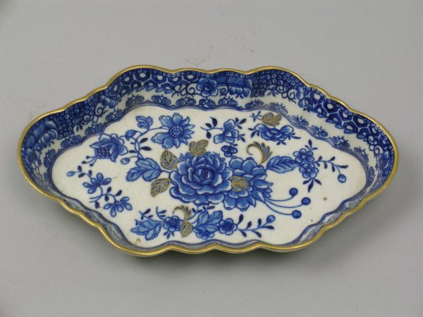 19B: A Caughley blue and white porcelain spoon tray, ci