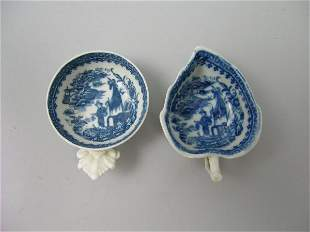 A Caughley blue and white porcelain butter dish, c