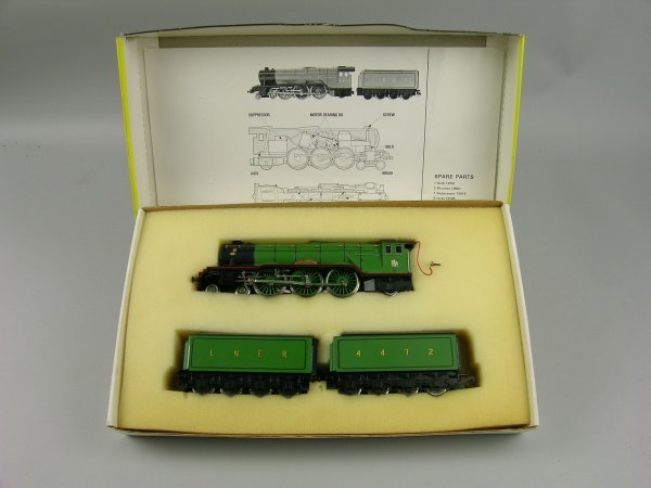 1C: A boxed Trix Flying Scotsman Locomotive with two te