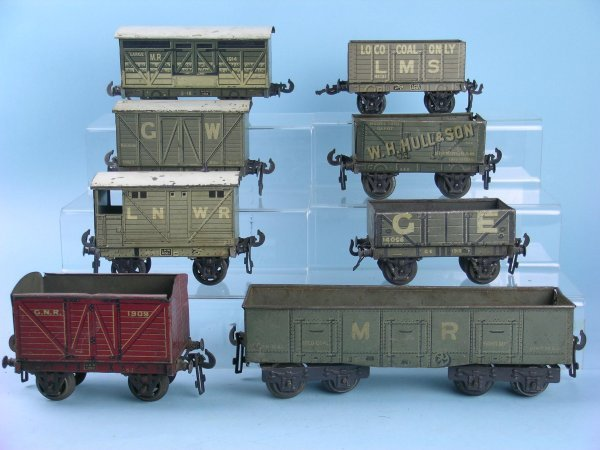 16C: A group of 8 Pre-War Bassett-Lowke Freight Wagons