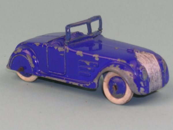 5B: A Pre War Dinky Toys No.22G Streamline Tourer, the