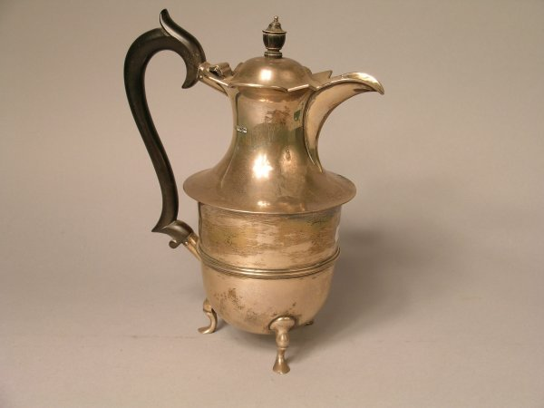 24B: A silver coffee pot, Sheffield 1909,