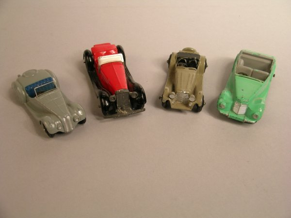 7D: Dinky:38e Armstrong-Siddeley coupé, light green bod
