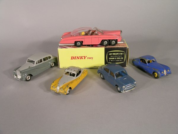 11D: Dinky Lady Penelope's Fab 1 Thunderbirds, pink wit