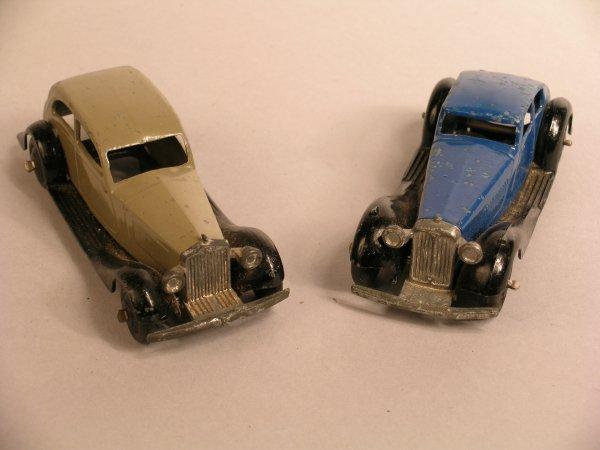 21D: Dinky: 36d Rover, blue body, black wings, black hu