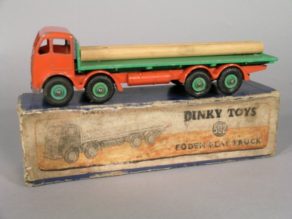 22D: A Dinky 502 Foden flat truck with second type oran