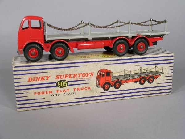 23D: Dinky Supertoys 905 Foden flat truck with chains,